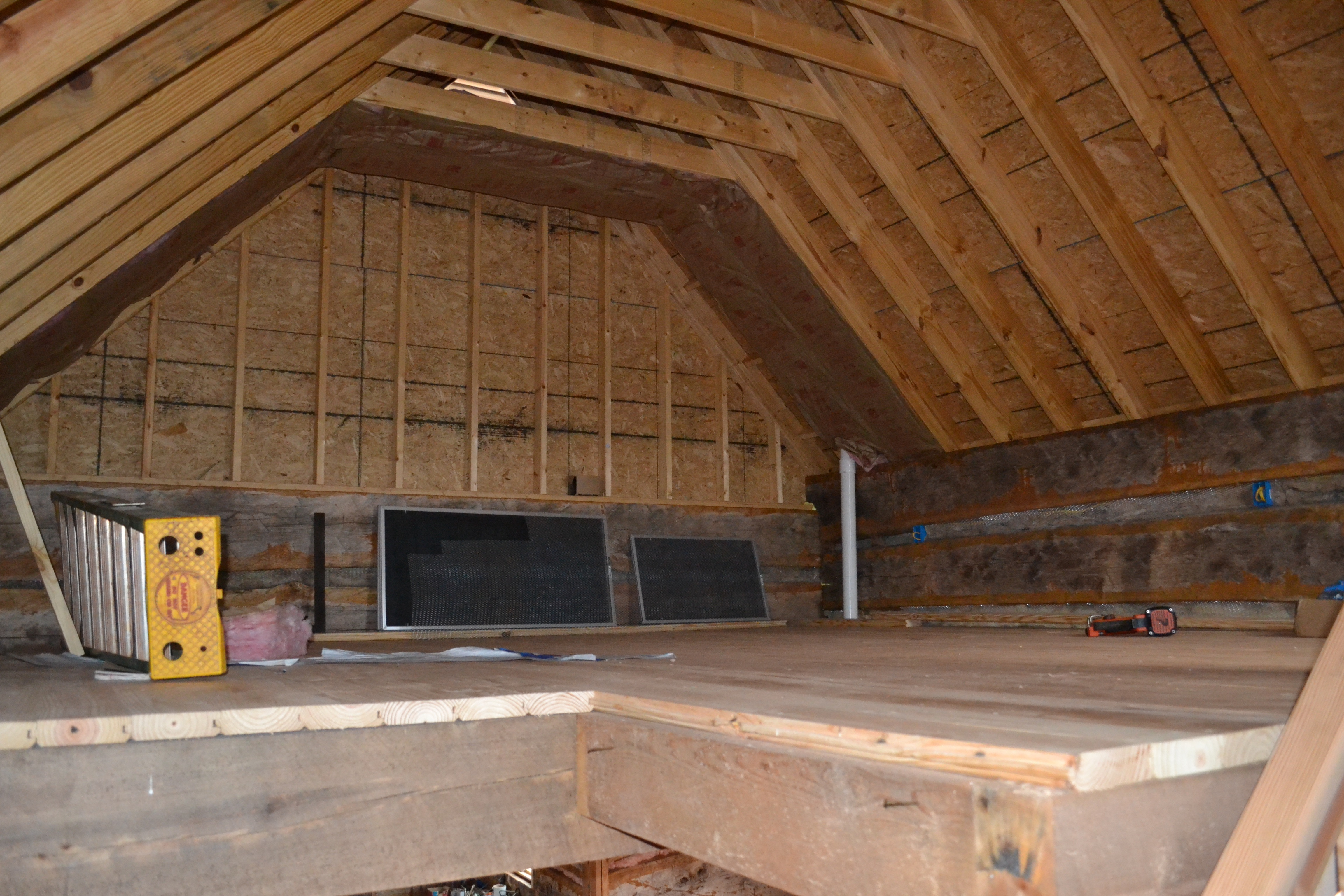 Log cabin roof framing pictures to pin on pinterest for Log cabin roof construction